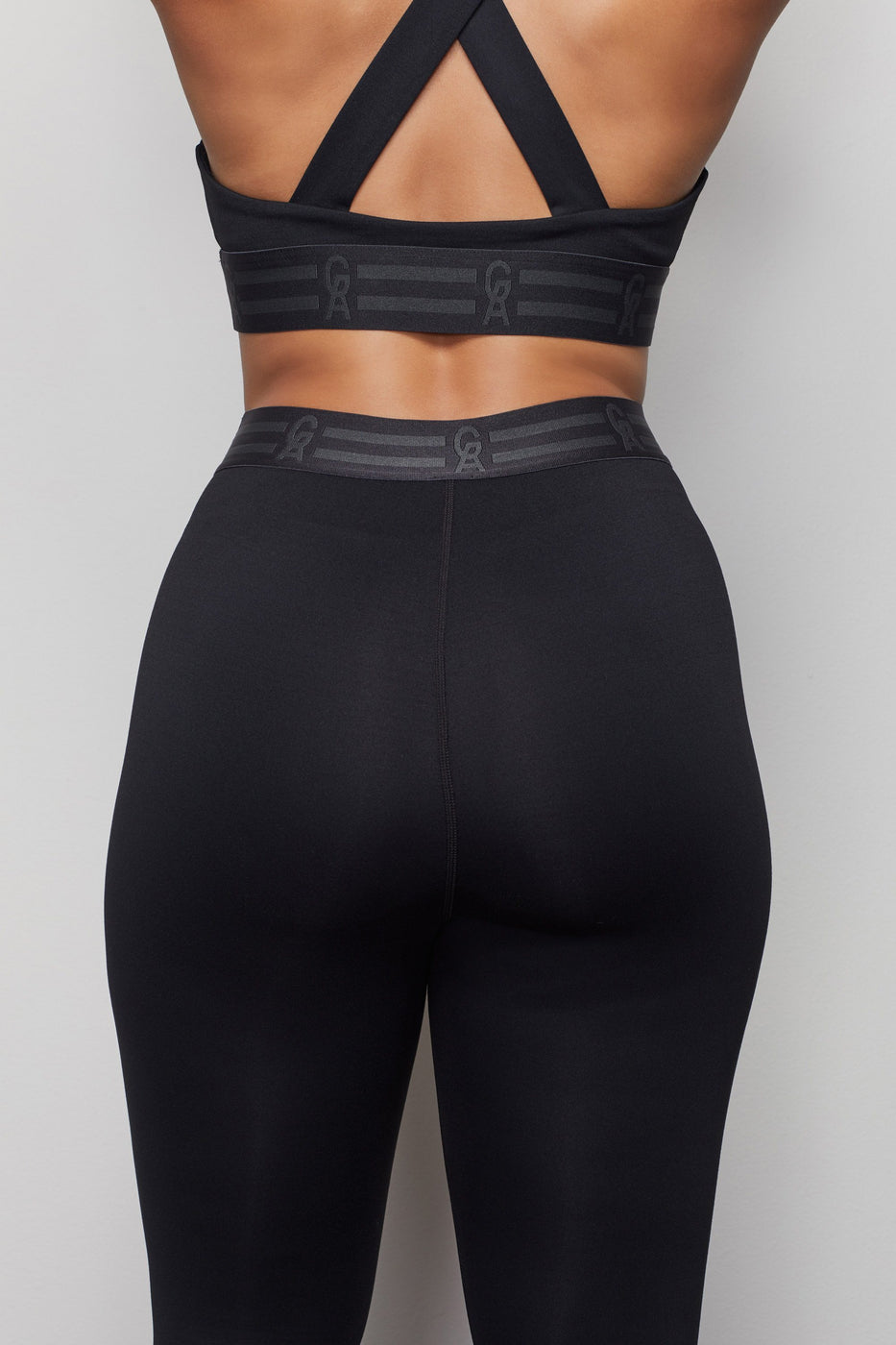 THE ICON CAPRI LEGGING | BLACK001