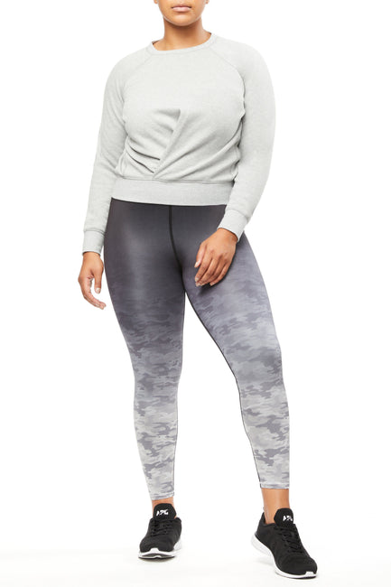 THE KNOT A QUITTER SWEATSHIRT | HEATHER GREY001