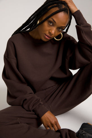 CROPPED & COOL SWEATSHIRT | COFFEE001