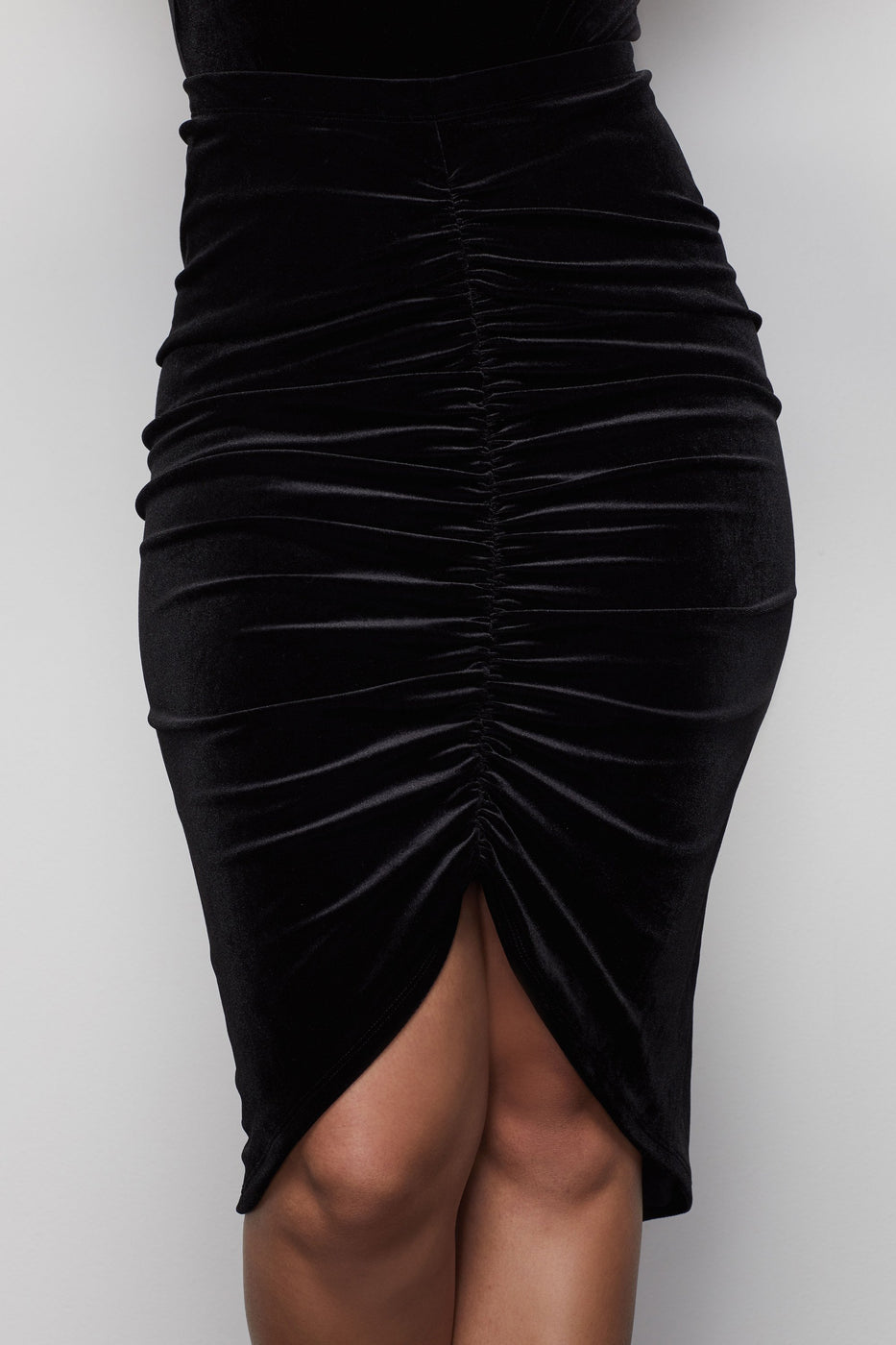 THE LUXE VELVET RUCHED SKIRT | BLACK001