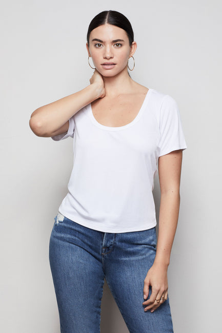 THE BABY SCOOP NECK TEE | WHITE001