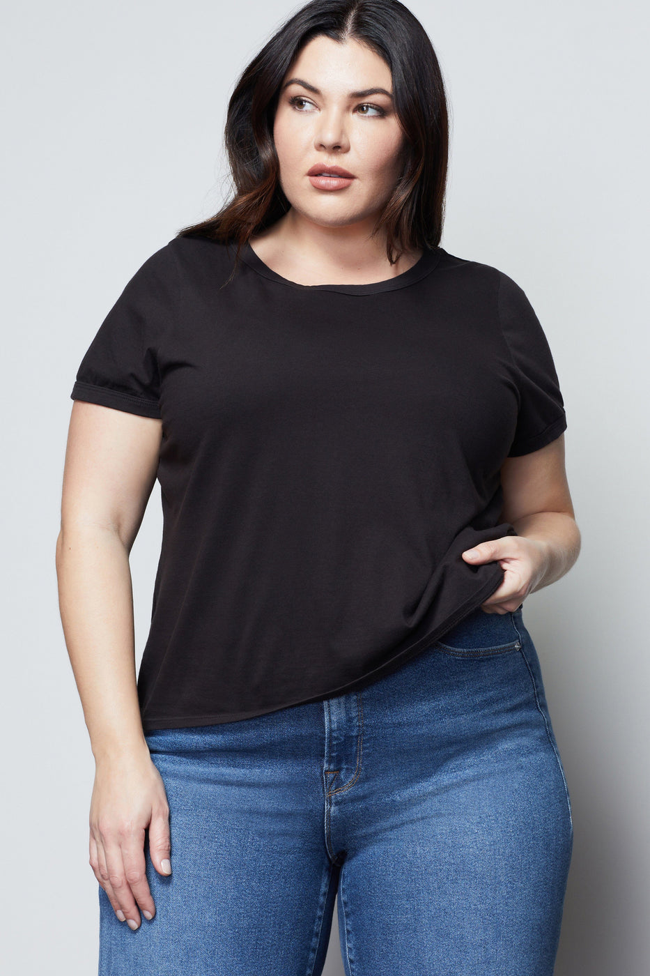 SEXY SCOOP TEE | BLACK001