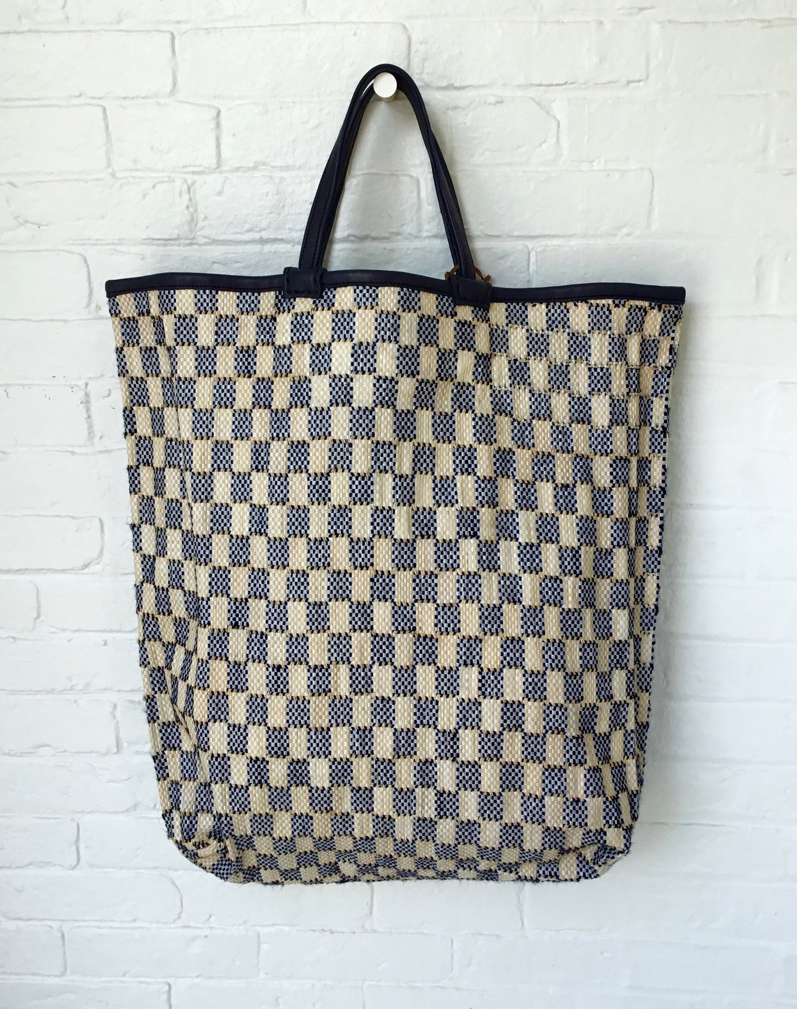 En Shalla Large Tote Bag with Black and Cream Checks