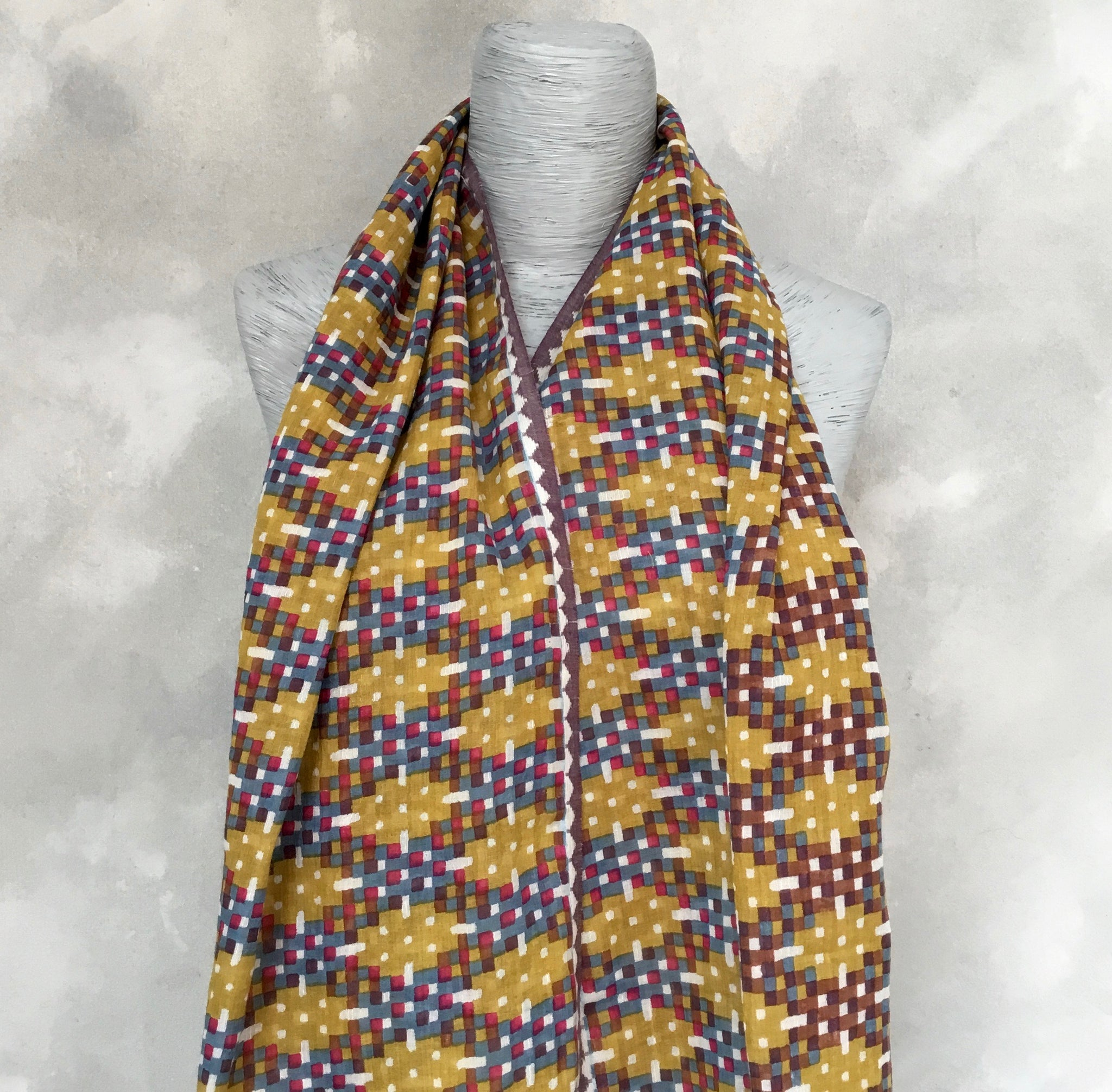 Epice Golden Diamond Pattern Scarf