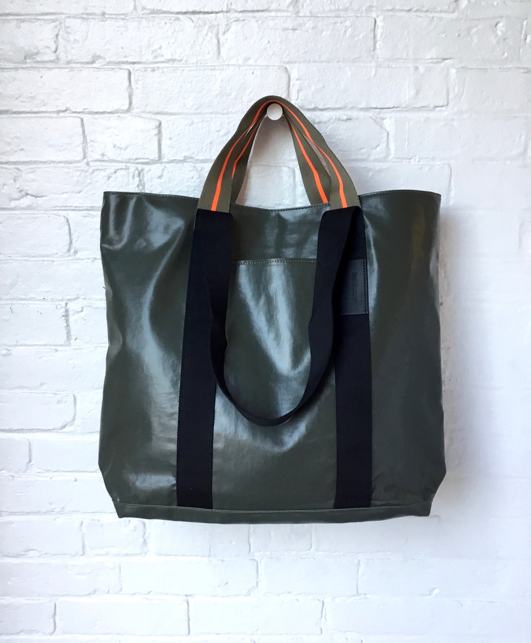 Jack Gomme Calvi Tote in Army Green