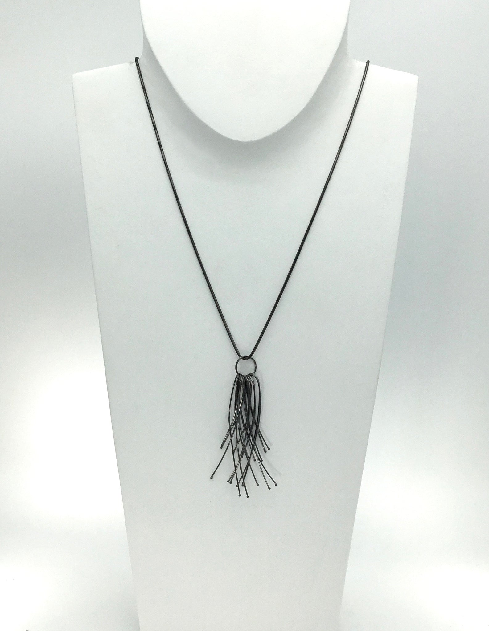 Materia Vento Necklace