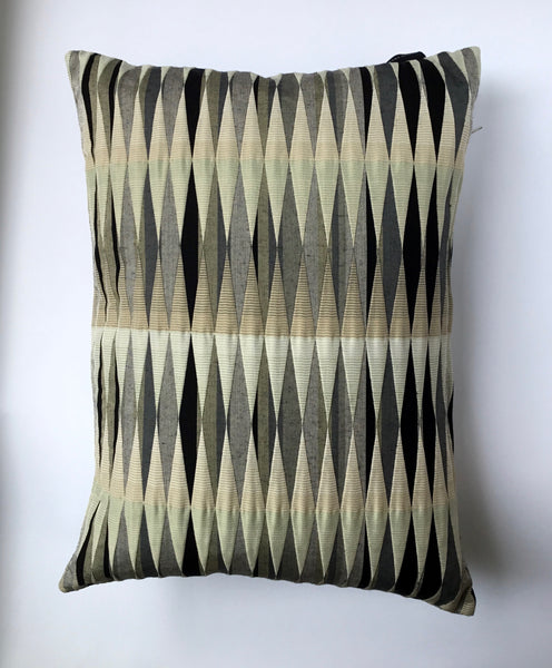 Margo Selby Artesia  Present Cushion