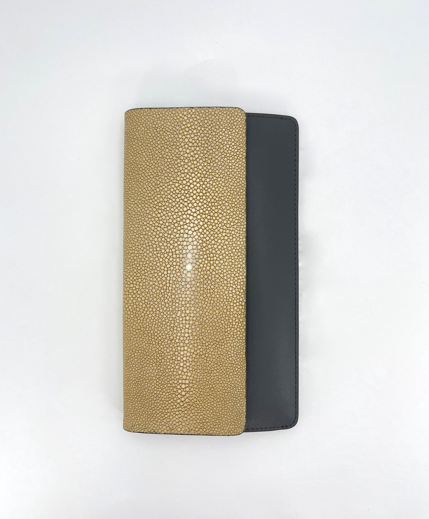 Shagreen Bea II Wallet in Putty