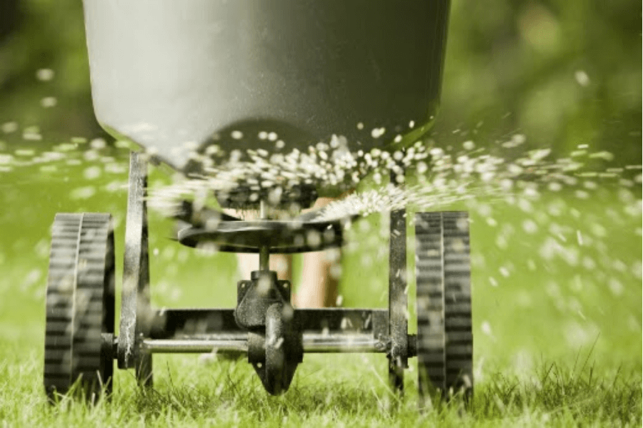 Fertilizer spreading on lawn.png
