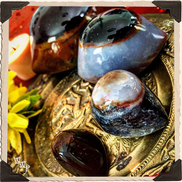 SHIVA'S EYE AGATE. Third Eye Carved Crystal. For Spiritual Protection, Rebirth, Awakening.