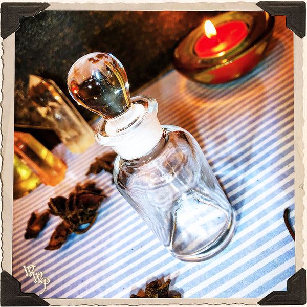 CLEAR GLASS APOTHECARY BOTTLE. 1oz. For Vintage Altar Decor, Potions, Herbs.