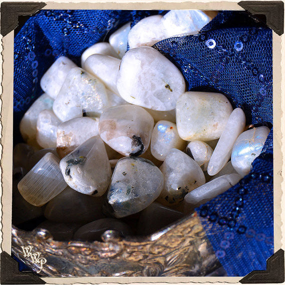 RAINBOW MOONSTONE TUMBLED CRYSTAL. For Full Moon, Feminine Energy & Calming Emotions.