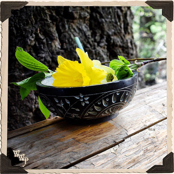 BLACK SOAPSTONE CARVED SMUDGE BOWL. Black & Gray Witches Ritual Smudge Pot & Charcoal Burner.