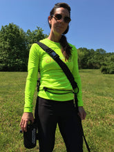 Load image into Gallery viewer, the geartac running belt is a specialized way to enjoy running hands free