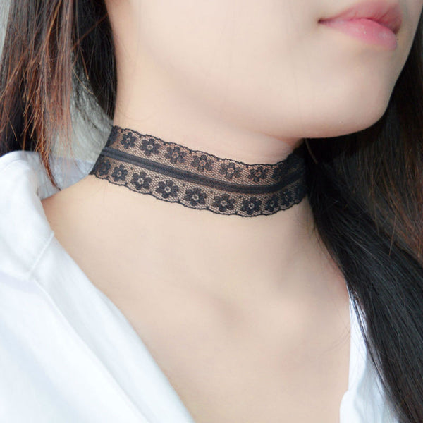 Sexy Elegant Small Flower Black Choker