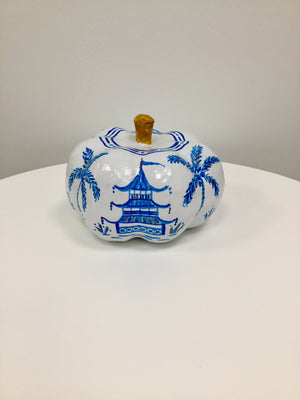 Medium Pumpkin - Glossy White and Blue Chinoiserie with Gold Detail