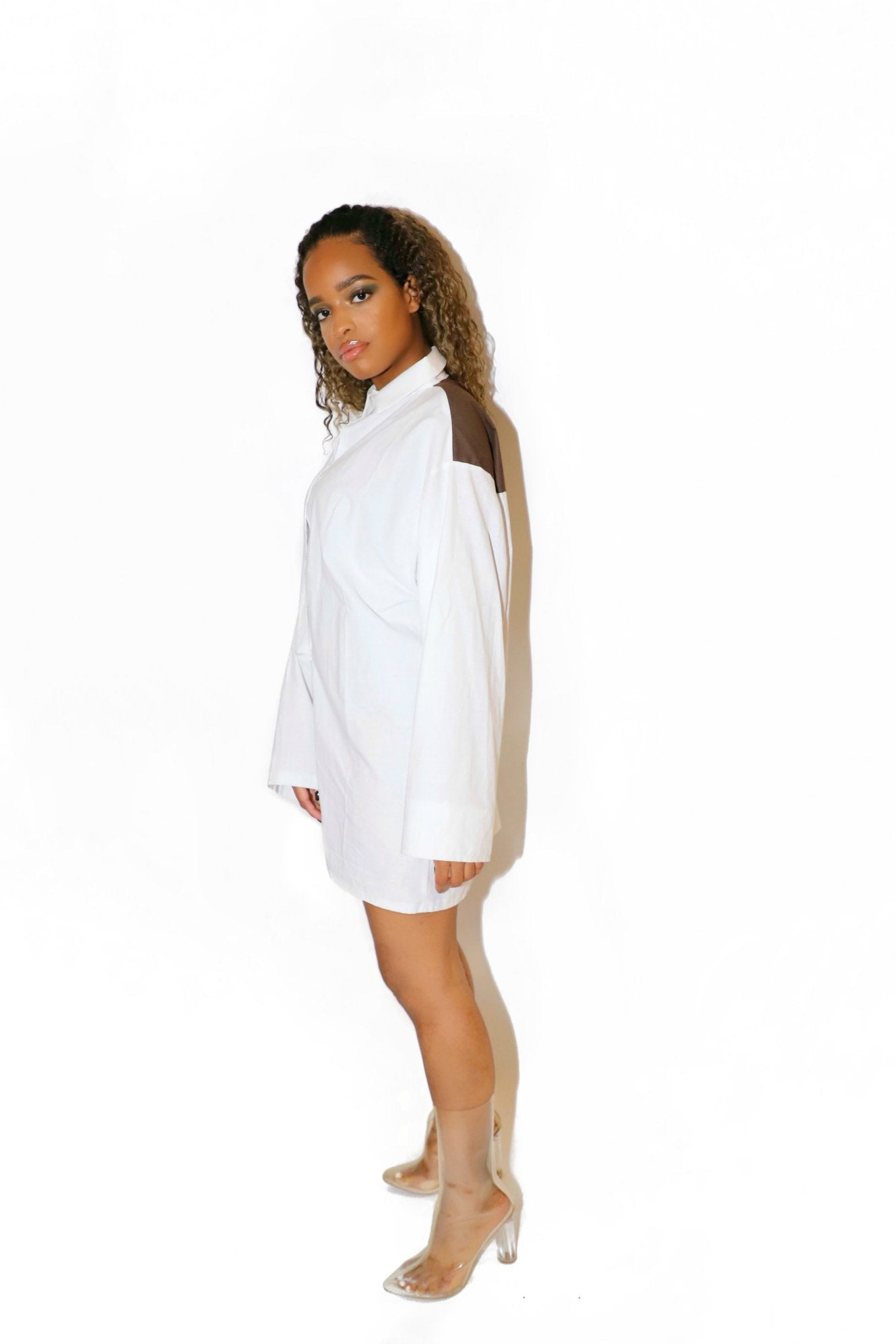 OVERSIZED SHIRT WHITECHOCO - VOLITION