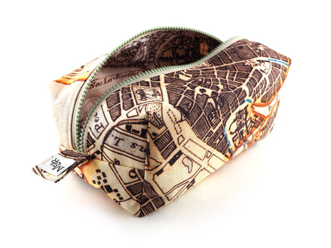 Map print wash bag with chunky zip