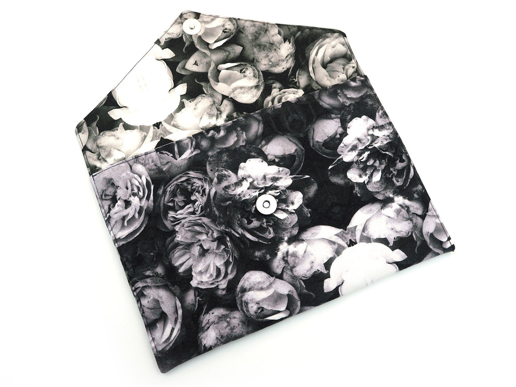 Grey roses clutch bag with magnetic clasp