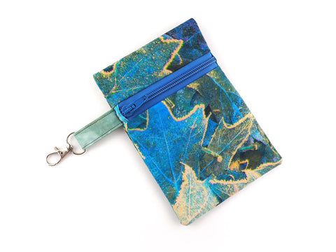 Leaves print zipper travel pouch