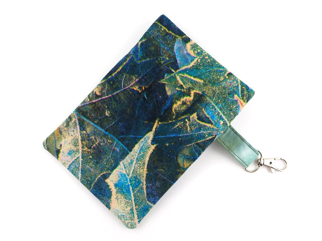 Leaf print money pouch