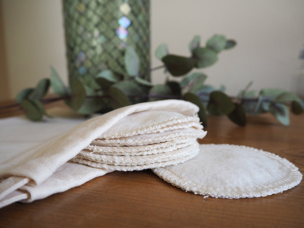 Reusable cotton facial pads and drawstring storage pouch