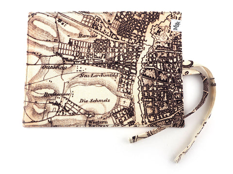 Map print brush and pencil roll
