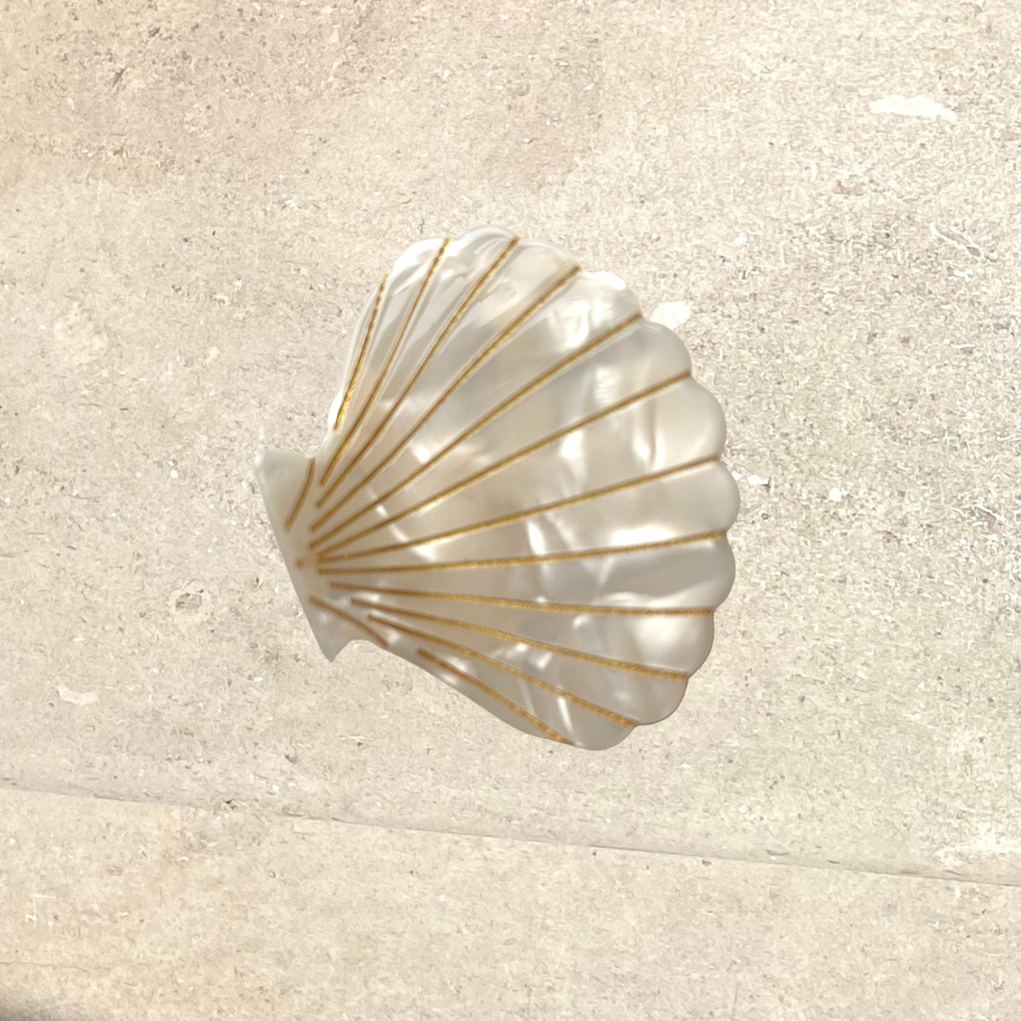Shell Claw Hair Clip - Pearlescent Cream - Alice Bow