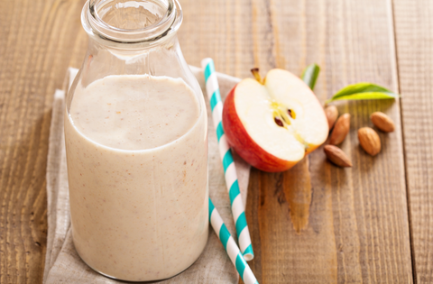 apple pie almond smoothie in glass
