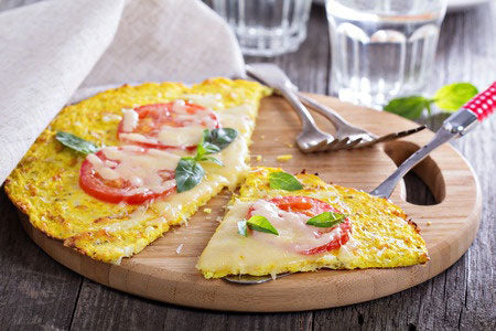 junk-food-made-healthy-caudiflower-pizza