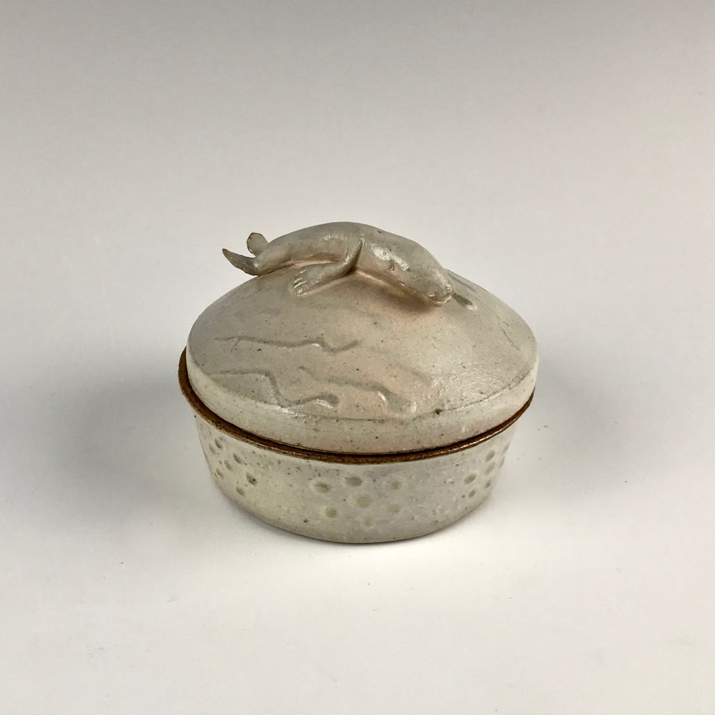 Willem Gebben box, small with whale