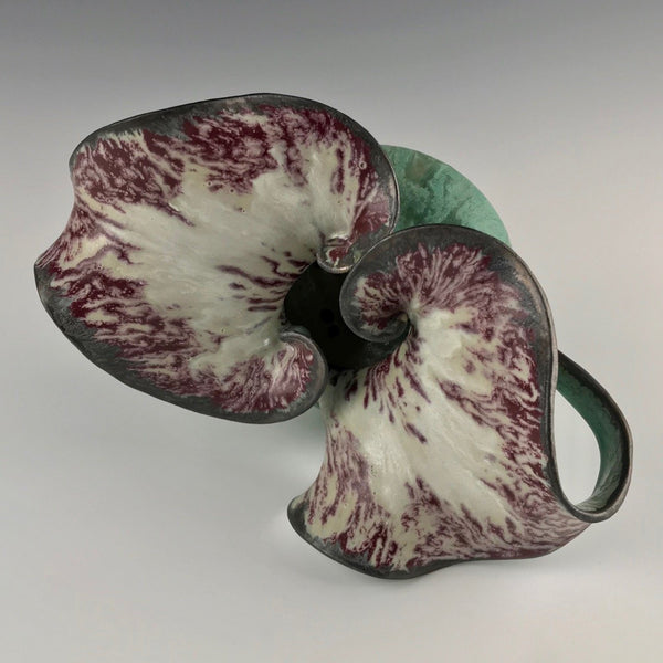 Susan Anderson vase, Double Leaf design