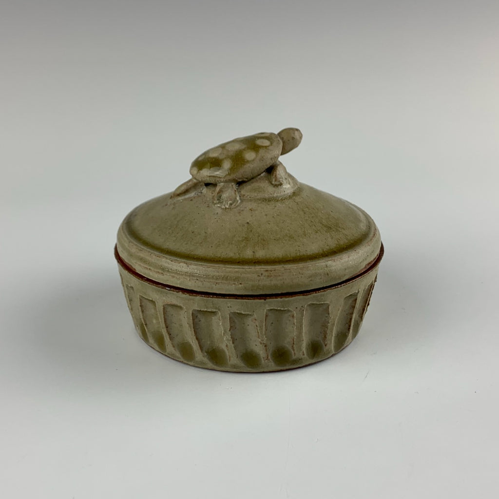 Willem Gebben lidded box, turtle