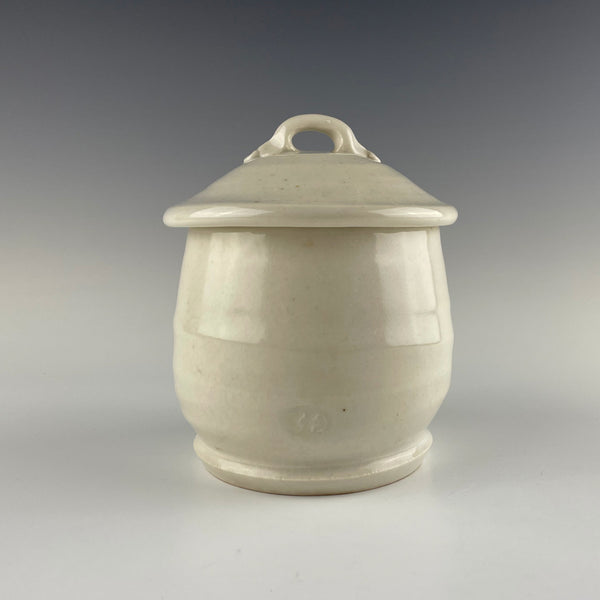 Clary Illian lidded jar