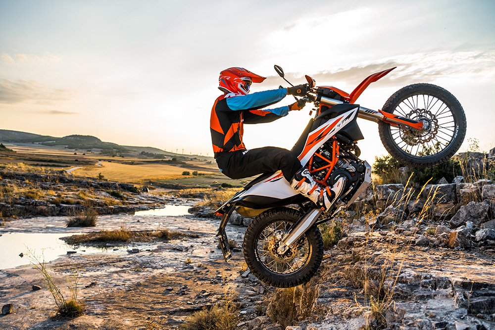 NEW 2019 KTM 690 Enduro R!