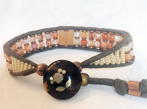 Eye Agate & Peach Quartz Gemstone Bracelet - Vintage Button