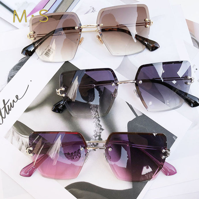 Square Over-sized Mirrored Sunglasses - Bella LaVie Collection