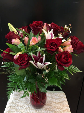 Dozen Red Rose Vase with Lily