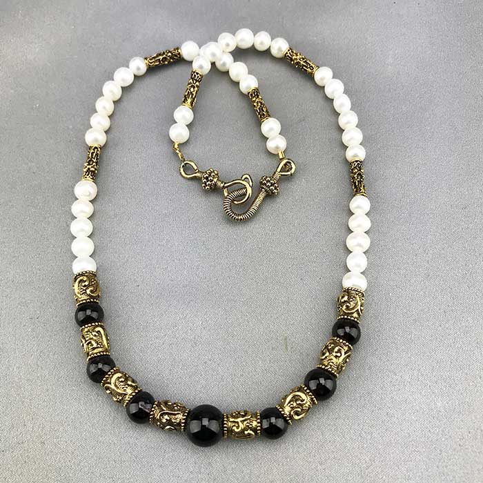 Fresh Water Pearl & Garnet Etruscan Style Necklace 06
