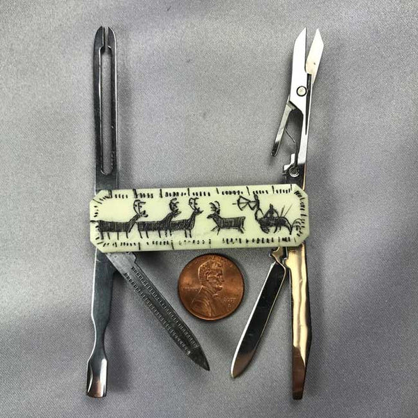 Gentlemans Knife with Pictograph Scrimshaw 12