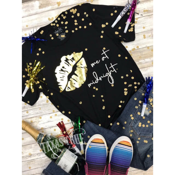 Kiss Me At Midnight Tee - The Wooden Hanger Boutique