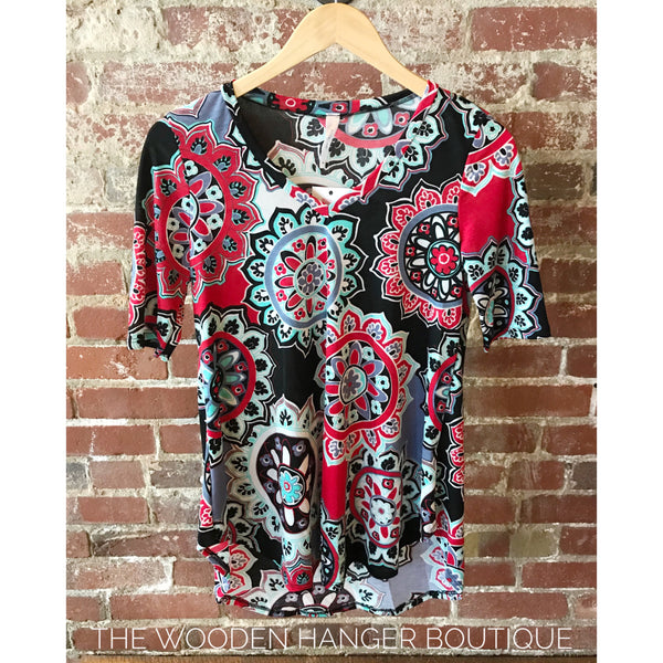 CURVY Picture Perfect Print Top - The Wooden Hanger Boutique