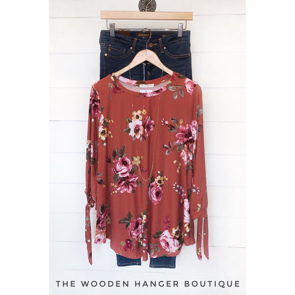 CURVY Around The Garden Top - The Wooden Hanger Boutique