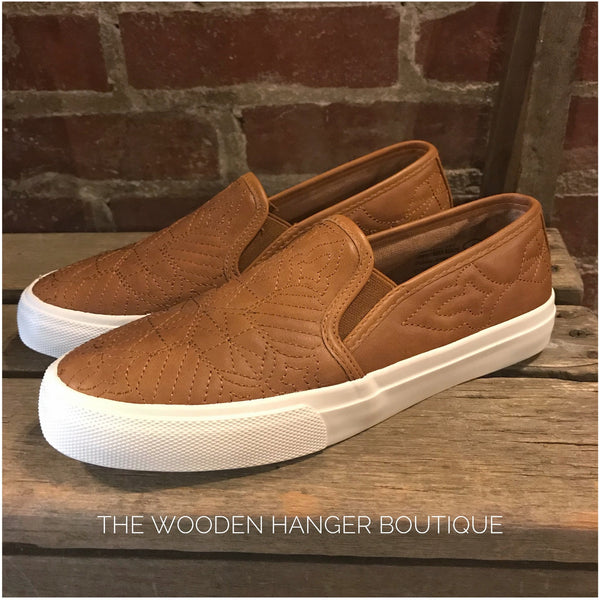 Sloan - The Wooden Hanger Boutique