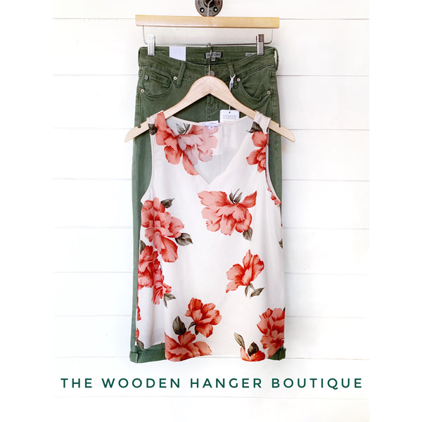 Chic and Sweet Scallop Top - The Wooden Hanger Boutique