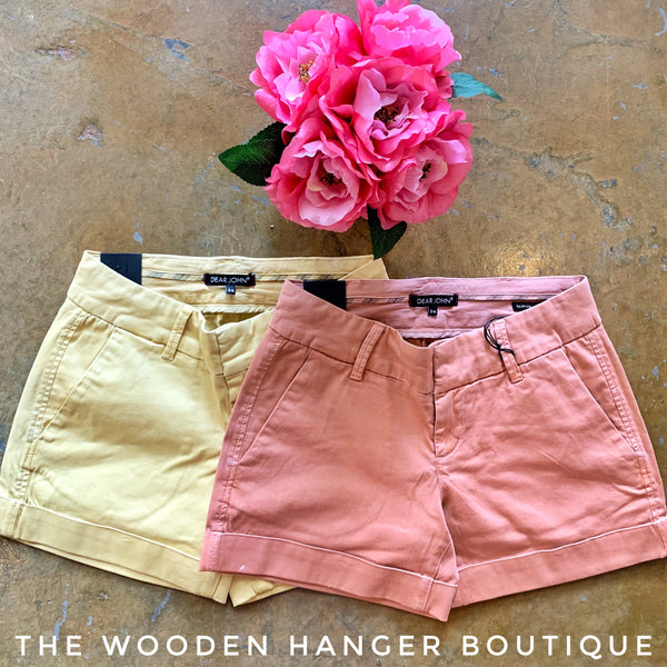 Hampton Comfort Short - The Wooden Hanger Boutique