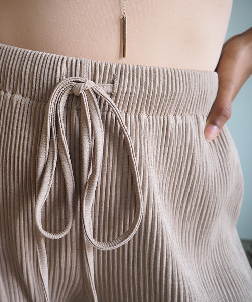 Pleated Drawstring Pant