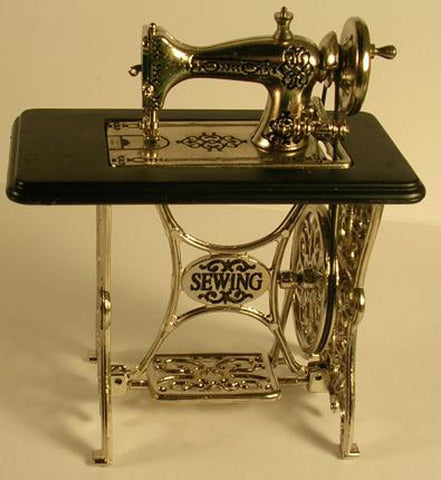Treadle Sewing Machine With Moving Needle