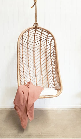 Oval chevron hanging chair