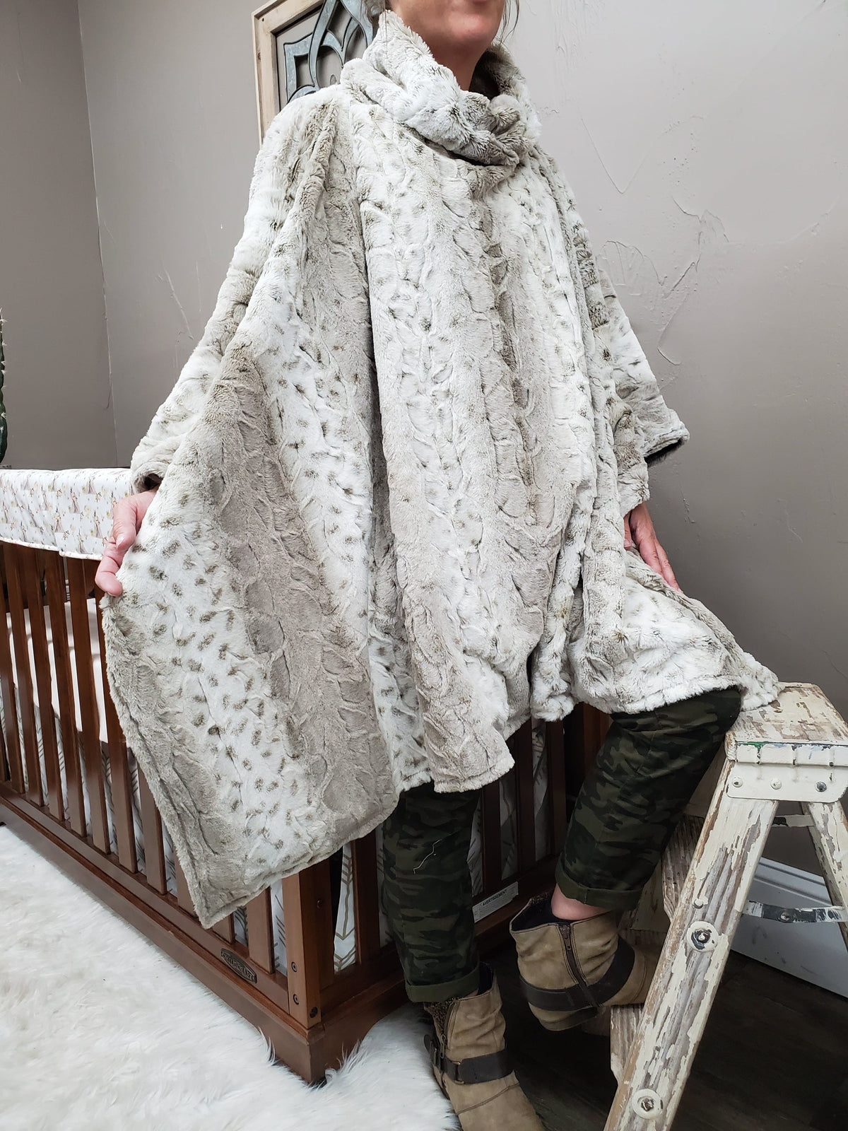Ladies Poncho - Lynx Minky with heather gray lining